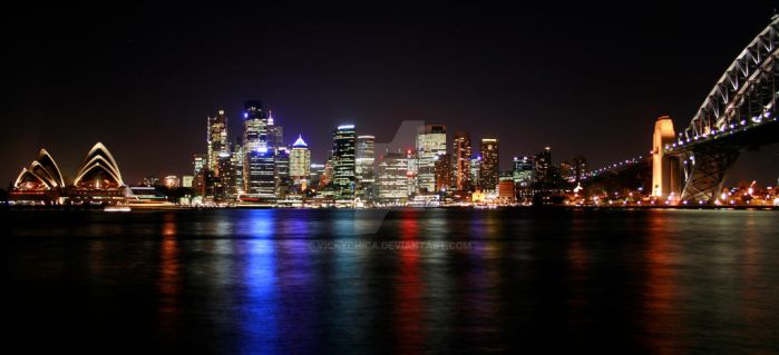 Sydney Harbour by vickychica