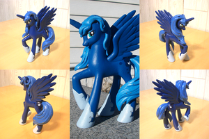 Princess Luna Custom by PrettyKitty