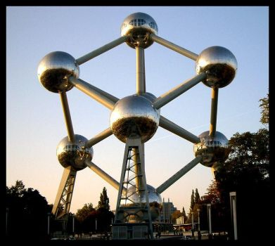 Brussels Atomium by arman4o