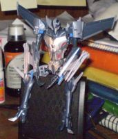 Starscream claims his spot by C-y-n-d-i