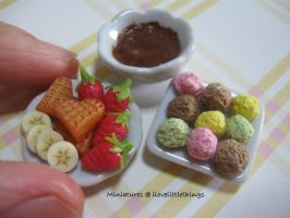 Miniature Ice Cream Chocolate Fondue by ilovelittlethings
