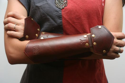 Celtic Leather Bracers by Versalla