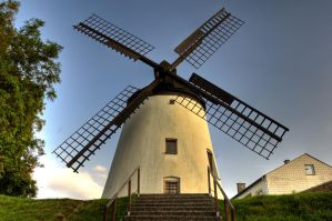 Windmill hdr by Tschisi