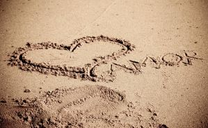 Amor in the Sand by MariaWillhelm