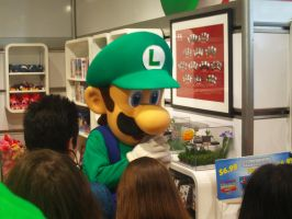 Luigi 30th at Nintendo World 14 by MarioSimpson1