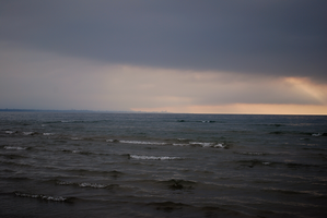 Evening Waves by elmiry
