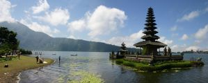 Ulun Danu Temple Bali by Danwhitedesigns