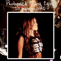 Miley Cyrus Concert by CrazyPhotopacks