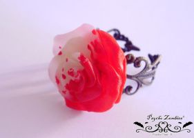 Alice in wonderland painted rose ring by Initta