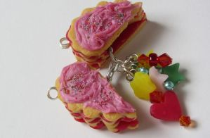 Pinata Cookie Pendant by Aya-no-Shrink-Ray