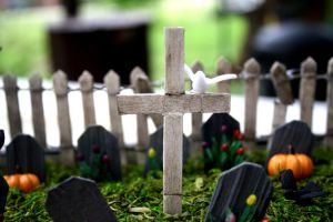 Mini-Scape Graveyard Close Up Two by Marushi-Dracul