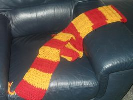 My Harry Potter Scarf by angelfay