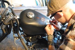 Painting a Boss Bobber by Hepcat-Pinstriping