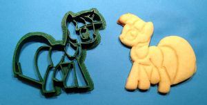 Twilight Sparkle Cookie Cutter and Cookie by WarpzonePrints