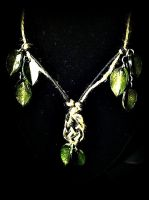 Leaves and Knot Necklace by Mortuhm