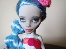 Monster high custom repaint hello kitty ghoulia by hellohappycrafts
