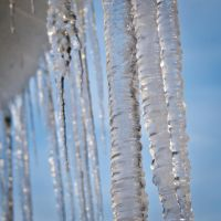 Icicles in the sunlight by fr31g31st