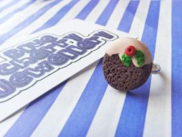 Christmas Pudding Ring Sml by tyney123