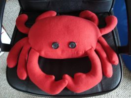 Crab Plushie by Allyson-x