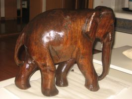 An elephant by Maxustech