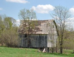 Old Barn by Tephra76