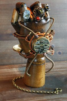 Steampunk mechanical hand by CatherinetteRings