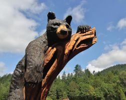 Carved bear by finhead4ever