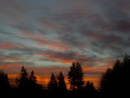 Early Mourning Sky by XswishfootX