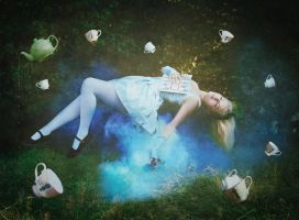 .alice's slumber. by SmokyPixel