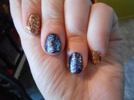 Purple and gold nails by Agathanaomi