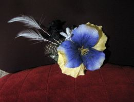 cream-violet pansy hair clip by opioid