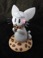 Happy Kitty Cookie Statue by egyptianruin