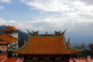 Chin Swee Temple by Destroth