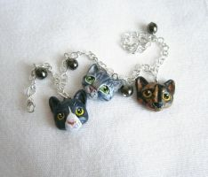 A custom cat bracelet by FlowerLandBySaraMax