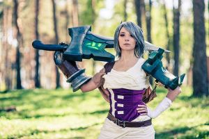 LoL: Riven the Exile by scentless-flower