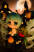Miku Lamp Halloween by Bellechan