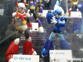 Mega Man X and Zero D-Arts at NYCC 2012 by DestinyDecade