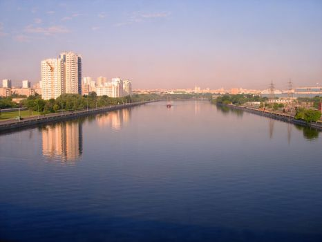 The Moskva River by Pavasara-Dvesma