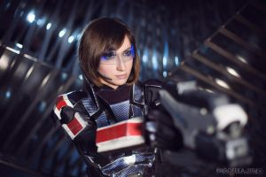 Femshep cosplay by Nebulaluben