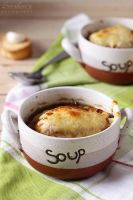 French onion soup by kupenska