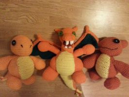 Char Family Plushies (free pattern for charmander) by Xite91