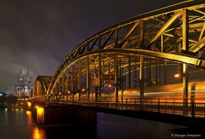Cologne at night by Aphantopus