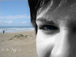 Eye and sea by IcePetal