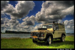 Land-Rover Defender 90 by M-Mick3y