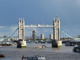 Tower Bridge on a sunny day. 2 by CaringheartTTR