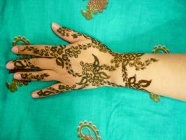 Mom's henna 11 by honeyness