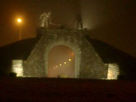 A foggy night at the Arch by Irechan