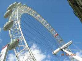 London Eye by NessaRaul