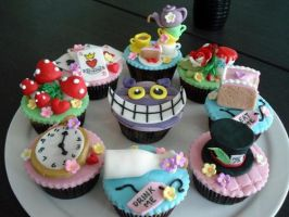 Alice in wonderland cupcakes!!! by raynevamp123