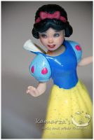 Snow White mini doll repaint by kamarza